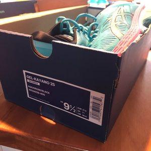 Brand New ASICS Gel-Kayano 25 sneakers- size 9 1/2